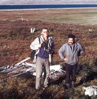 Вместе с Борисом Мумихтыкаком в окрестностях села Сиреники, Чукотка, Провиденский район, лето 1995.